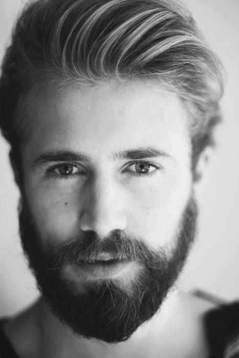 Intervention de greffe barbe
